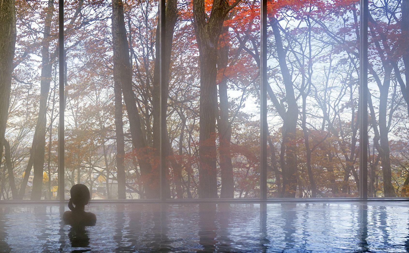 森の中に佇む「丸美ヶ丘温泉」で心も体も癒される